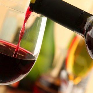 Al ristorante, la scelta del vino si fa con dei piccoli accorgimenti