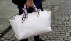 Come pulire una borsa bianca: i trucchi più efficaci