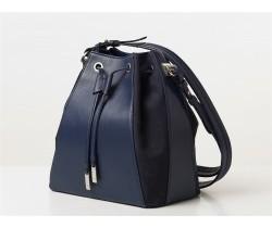 Una borsa blu ed è subito estate!