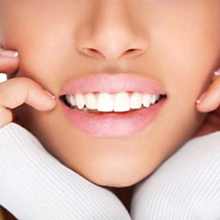 Sbiancamento dei denti professionale: ecco come funziona