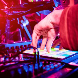 Drum and Bass, i generi, l'evoluzione e il DJ GMG